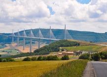 Aire du Viaduc de Millau - Millau