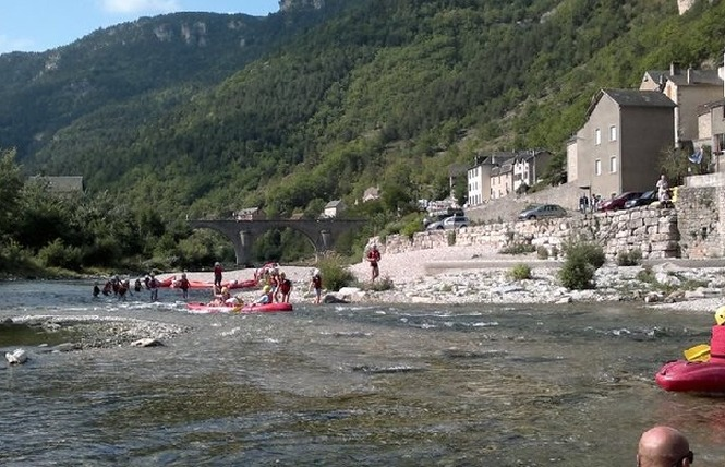 Aigue Vive canoe kayak 2 - Mostuéjouls