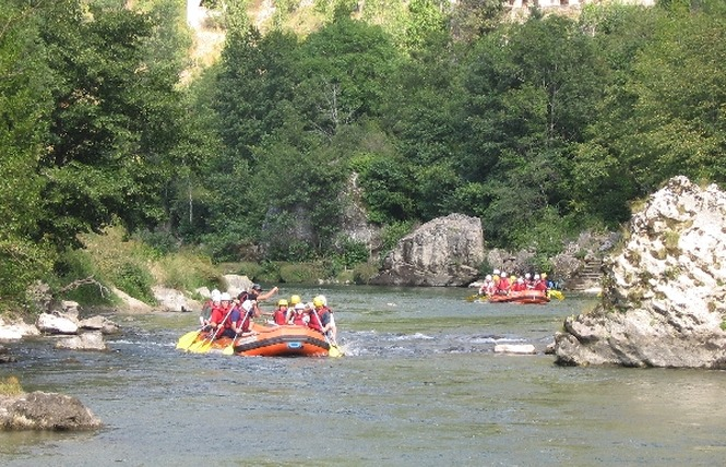Aigue Vive rafting 3 - Mostuéjouls