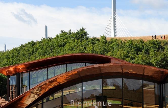 Aire du Viaduc de Millau 3 - Millau