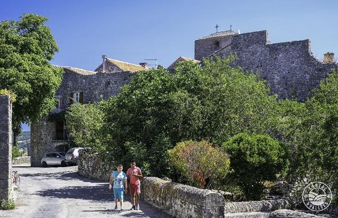 Fort cistercien de St-Jean d'Alcas 2 - Saint-Jean-et-Saint-Paul