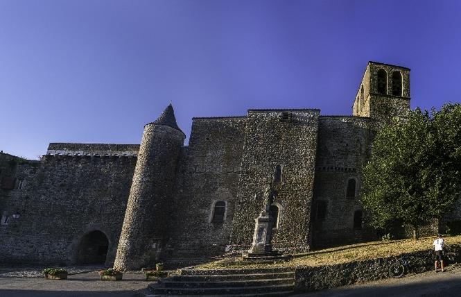 Fort cistercien de St-Jean d'Alcas 4 - Saint-Jean-et-Saint-Paul